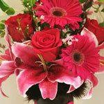 Let the floral design masters at Arjuna Florist create a unique gift for you.